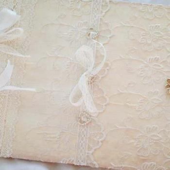 Wedding Guest Book - Ivory and white - 40 pages